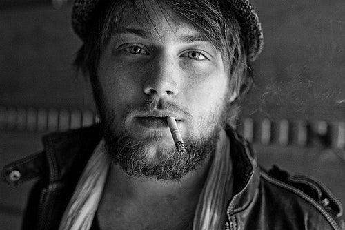 "Yaheard Alternative – British Rocker Danny Worsnop ""I Got Bones"""